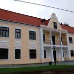 În urma unei decizii definitive şi irevocabile a Curţii de Apel Alba Iulia, Primăria Roşia Montană va fi executată silit de un angajat, paznic de păşuni