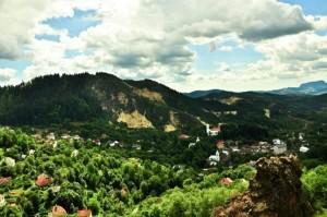 satul-Rosia-Montana-vazut-din-masivul-Vaidoaia