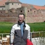 Cu toate că a primit nenumărate oferte de muncă din străinătate, un medic din Țara Moților a ales să rămână alături de oamenii din Ciuruleasa