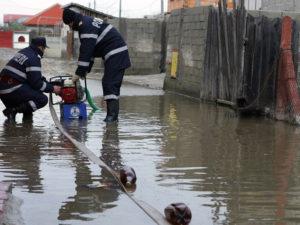 inundatii-pompieri