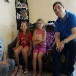 Sprijin oferit de europarlamentarul PSD Victor Negrescu pentru două fetițe de nota 10 din Mogoș
