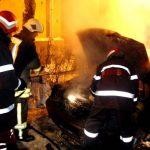 Intervenție a pompierilor din Câmpeni la Roșia Montană, pentru stingerea unui incendiu izbucnit la un autoturism