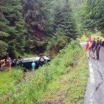 Un autoturism s-a răsturnat pe Dealul Mare, în afara spațiului carosabil, iar șoferul a scăpat doar cu câteva zgârieturi