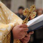 Preotul Daniel Berindei din Abrud, trimis în judecată după ce i-ar fi administrat o bătaie zdravănă unui adolescent