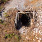 O persoană a fost grav rănită, în urma unei explozii, în timp ce căuta ilegal aur într-o mină părăsită din Roșia Montană
