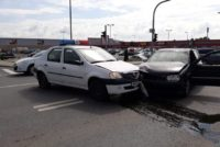 Mașină aparținând Poliției din Roșia Montană implicată într-un accident rutier petrecut la Alba Iulia